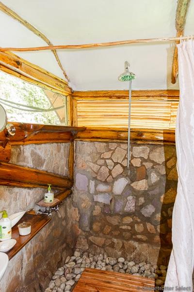 Buhoma-Lodge-Bwindi-Uganda-Globetrotter-Select-GS13