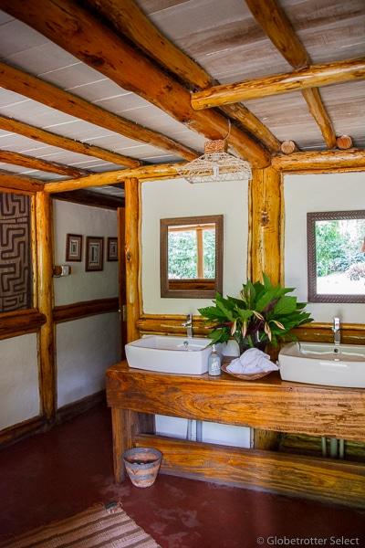 Buhoma-Lodge-Bwindi-Uganda-Globetrotter-Select-GS9