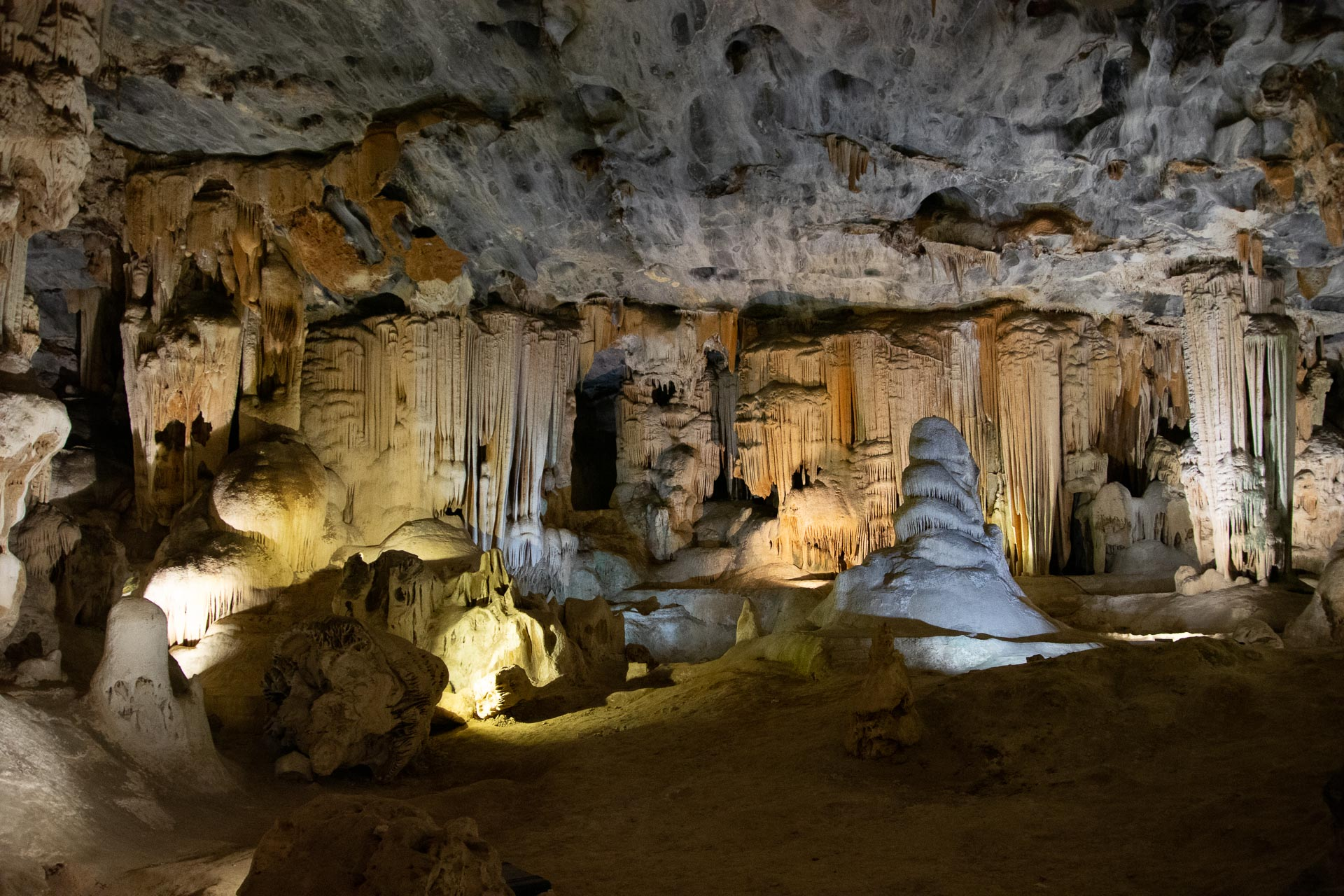 Cango-Caves-Oudtshoorn-Suedafrika-Globetrotter-Select-15
