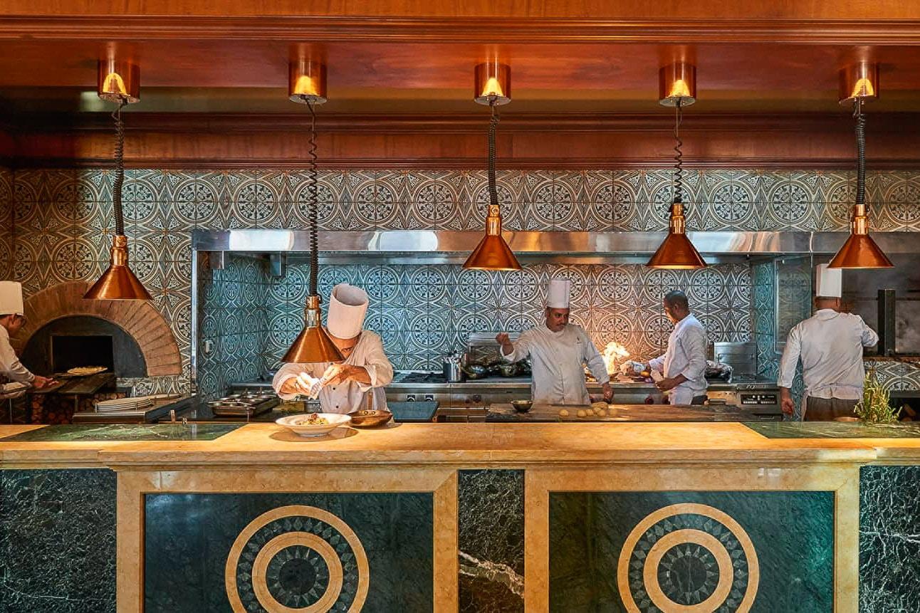 Four-Seasons-Hotel-Cairo-at-Nile-Plaza-1