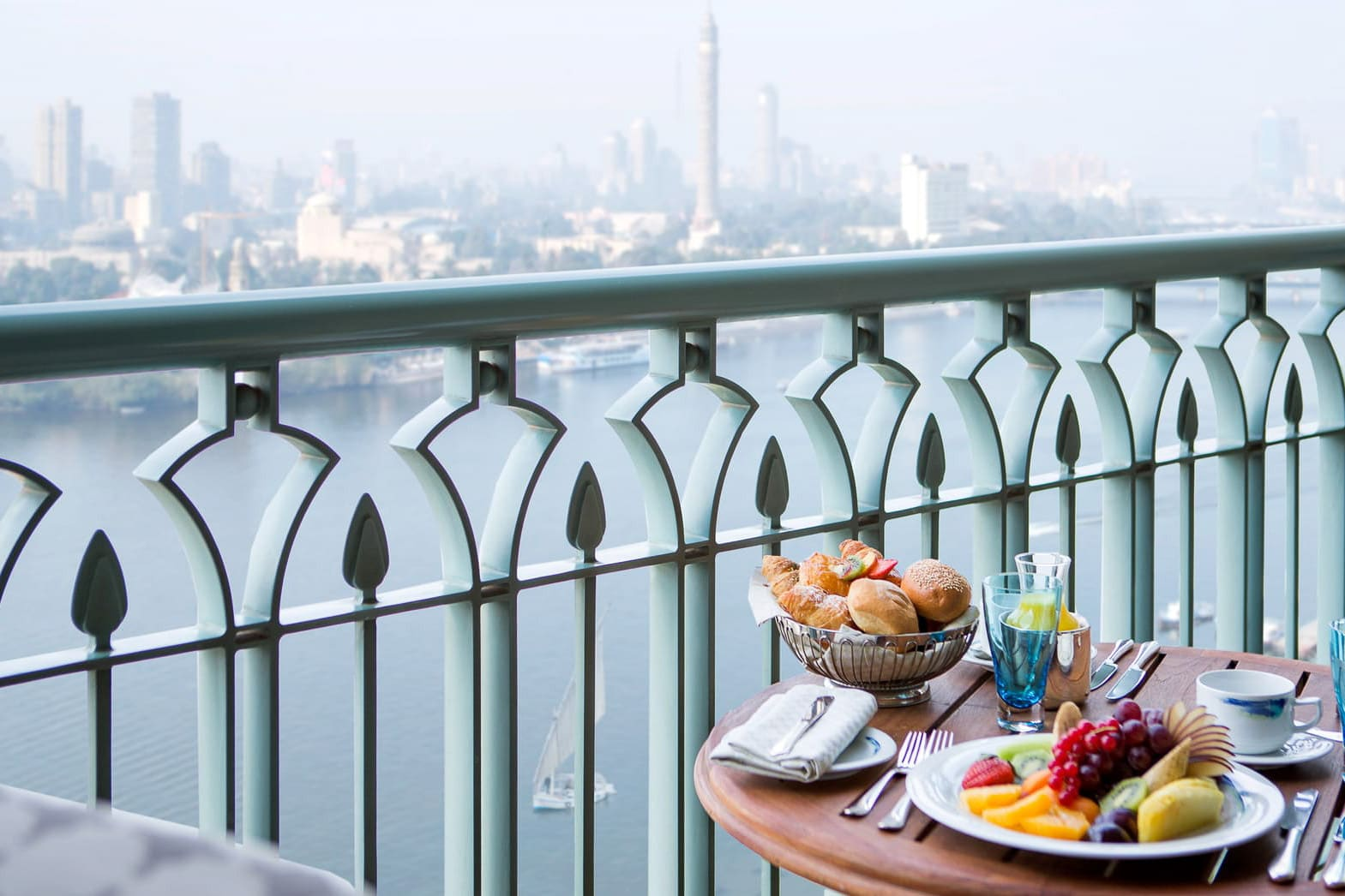 Four-Seasons-Hotel-Cairo-at-Nile-Plaza-10