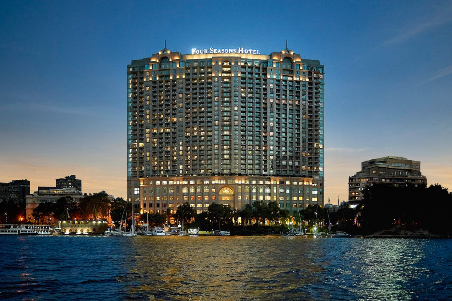 Four-Seasons-Hotel-Cairo-at-Nile-Plaza-21