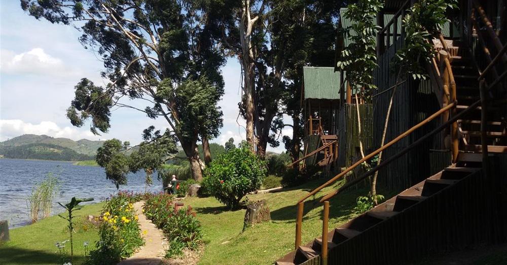 Mutanda-Lake-Resort-6-von-7