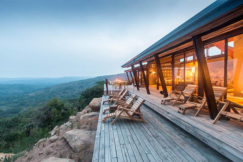 Rhino-Ridge-Safari-Lodge-2-von-16