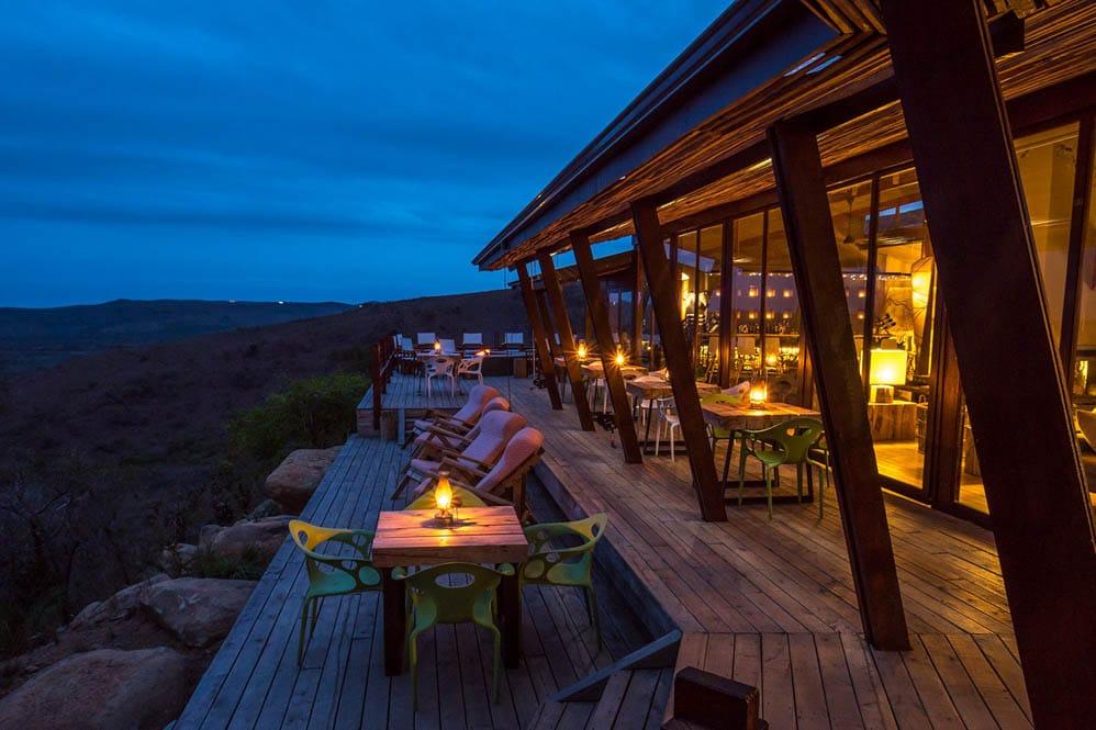 Rhino-Ridge-Safari-Lodge-8-von-16