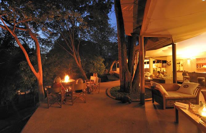 Rhino-River-Camp-2-von-6